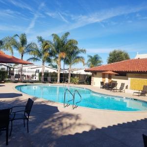 Plaza club house pool 2